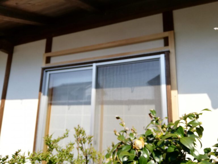 防風、防犯用の窓シャッター